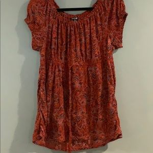 Daisy Fuentes pullover top 5/$20